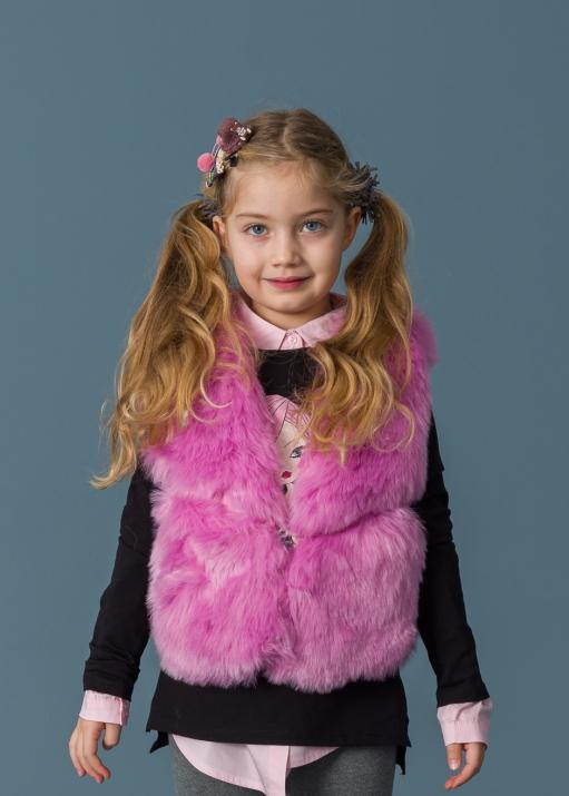 Детски пухен елек с кожени елементи